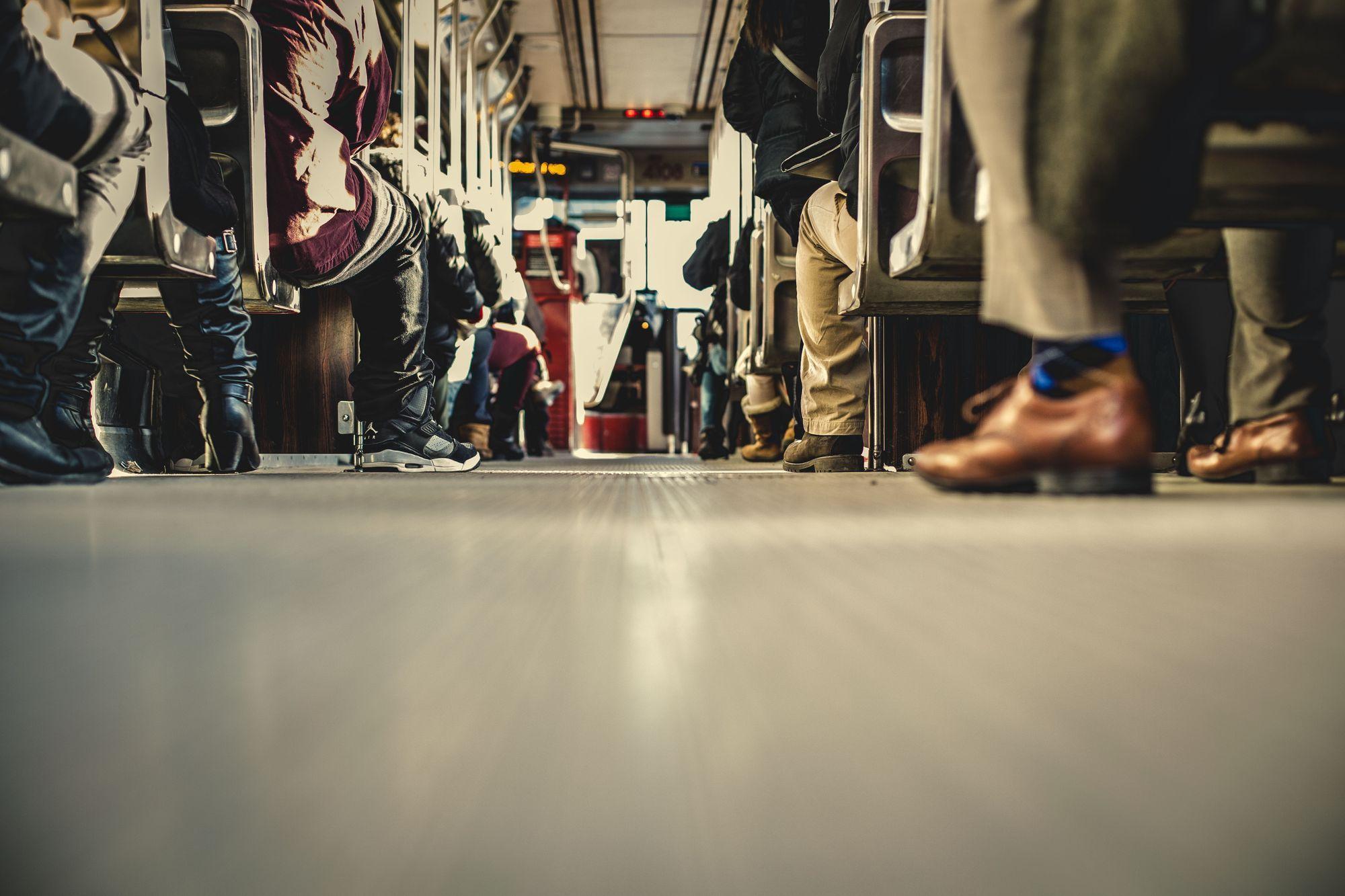 Dlaczego korzystanie z komunikacji miejskiej się opłaca?