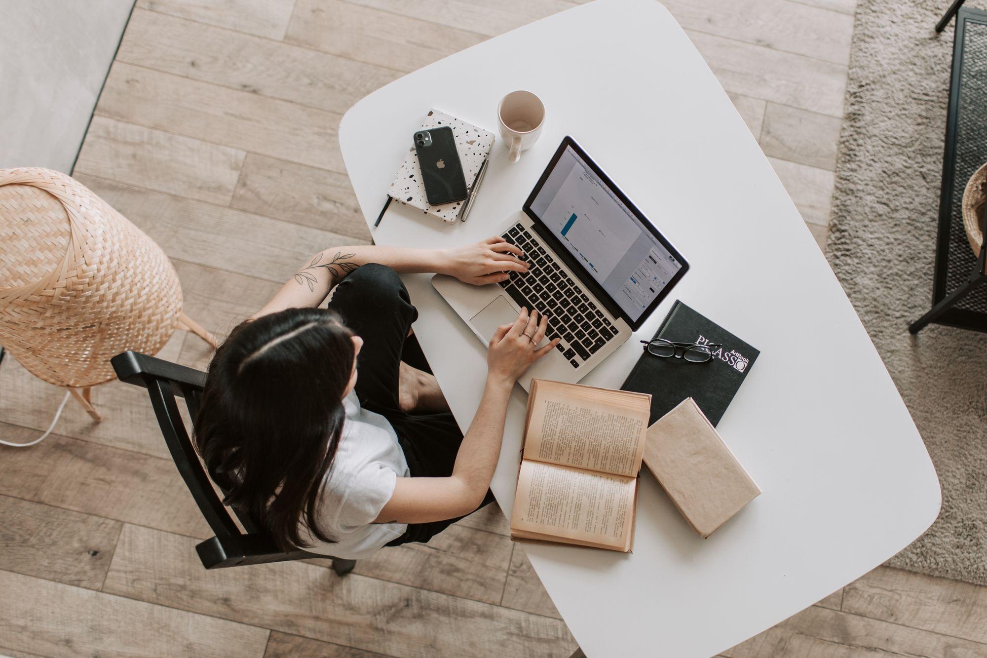 Pisanie książki. Z jakich aplikacji i wtyczek warto skorzystać?