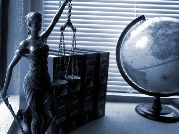 Czy ludzie chętnie korzystają z darmowej pomocy prawnej?